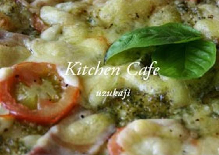 Crispy Pizza with Basil Sauce
