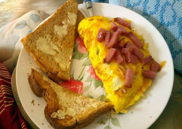 easy ham and cheese omelet