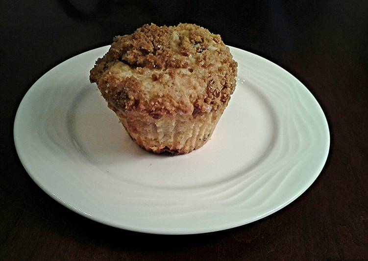 Mixed Berry White Chocolate Chip Streusel  Muffins