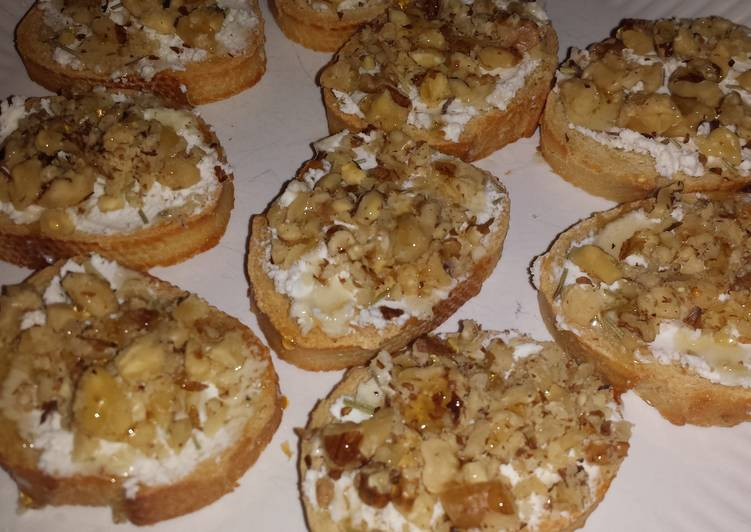 Goat cheese and walnut crostini