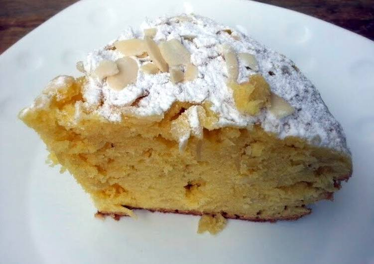 Almond Cake Top Icing Sugar