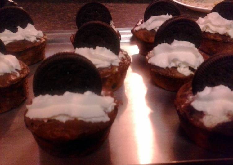 Diana's chocolate chip muffin cup cake