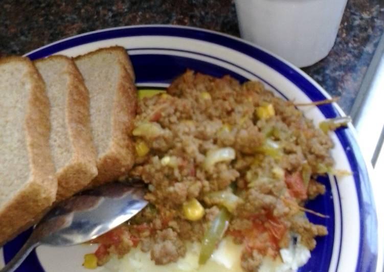 ground beef with mash potatoes
