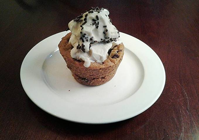 Chocolate Chip Cookie Cups, Filled with Ice Cream