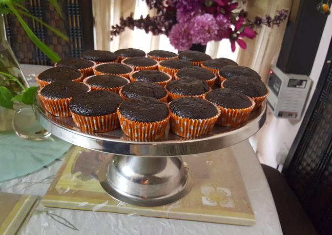Chocolate and Banana cupcakes (Eggless)