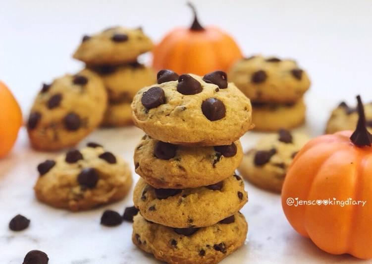Pumpkin Chocolate Chips Cookies