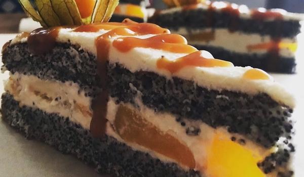 Poppy curd cake
