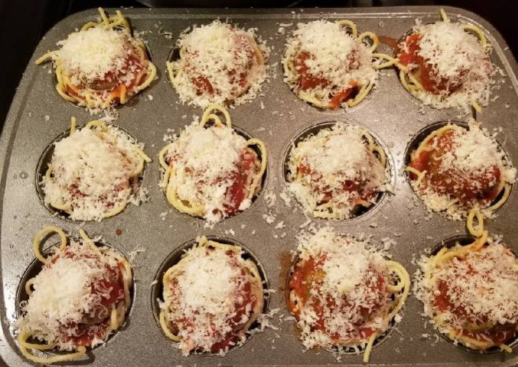Spaghetti & meatball birdsnest bites