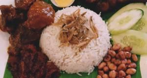 NasiLemak With Rendang And Lemongrass Friend Chicken And Sambal