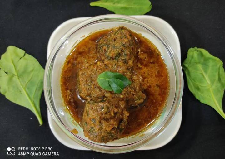 Spicy palak kofta curry