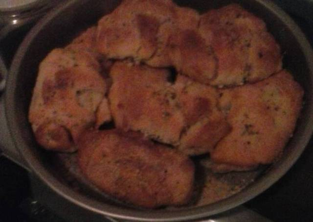 Pizza crescent rolls
