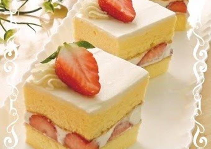 Simple Shortcake Made With Chiffon Cake
