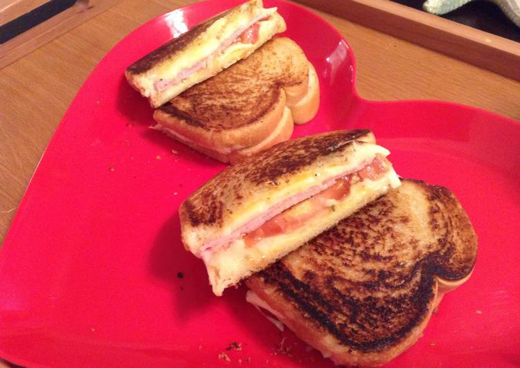 Fantabulous Grilled Ham And Cheese With The Wizzzzz N American
