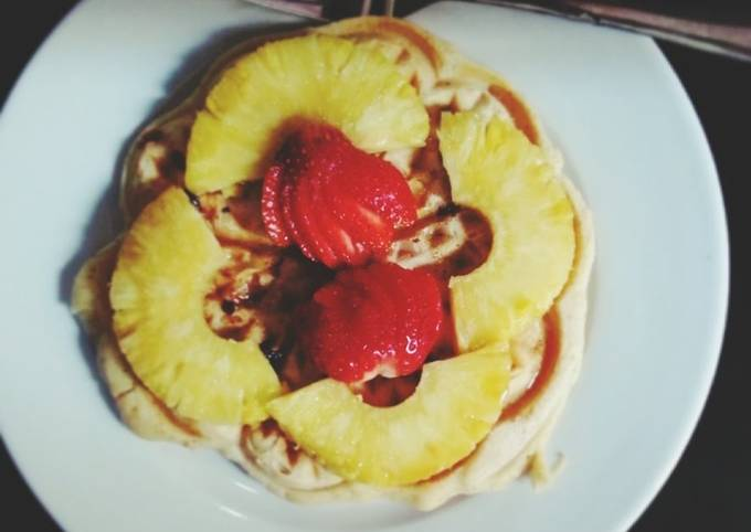 Waffles with dried fruits and cinnamon