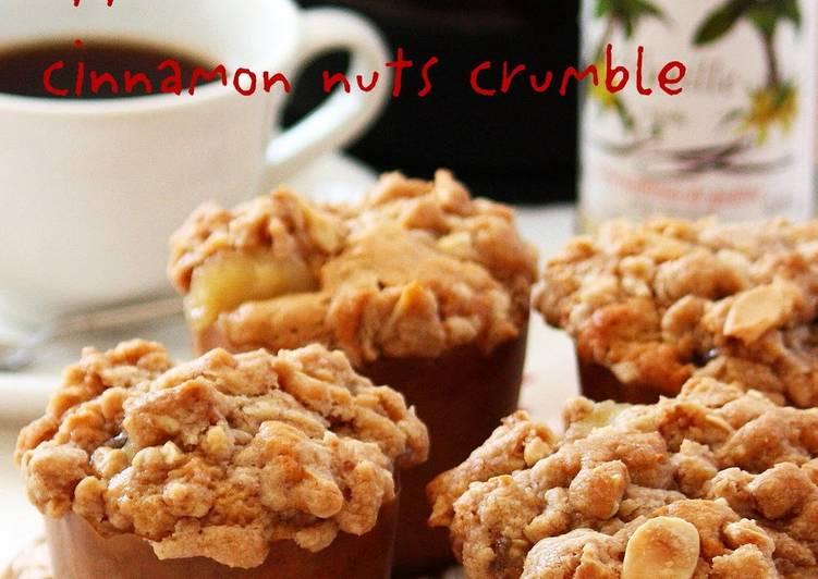 Cinnamon Nut Crumble Apple Muffins