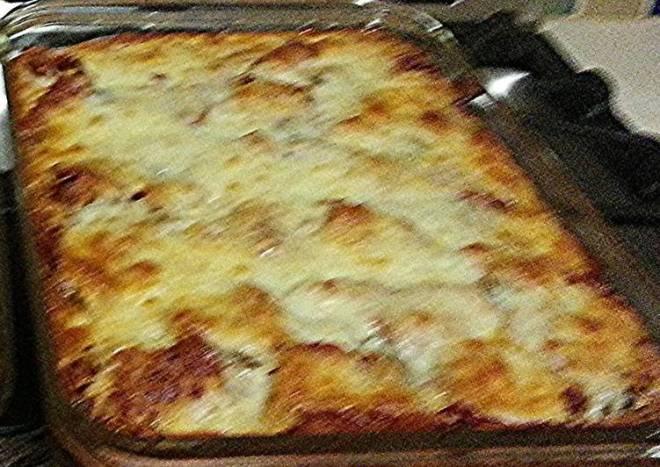 Easy Peesy yet Absolutely Delicious-y Lasagna!