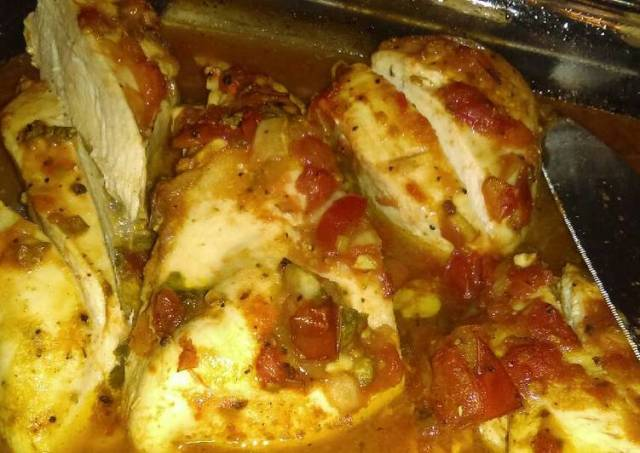 Spicy, salsa baked chicken