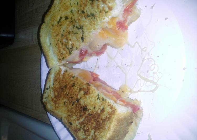 4 cheese grilled cheese