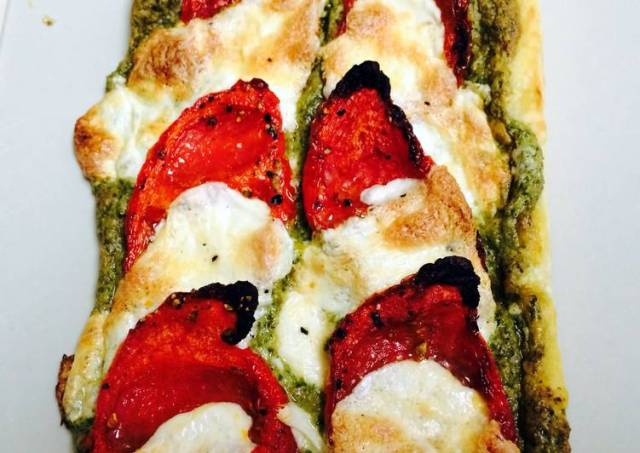 Slow Roasted Tomatoes And Mozzarella Galette