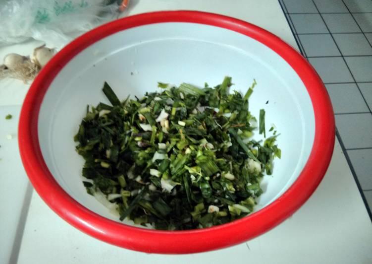 Green garlic pickle