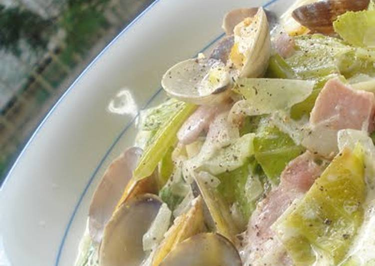 Chowder-Like Pasta with Spring Cabbage and Clams