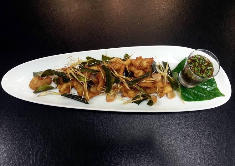 Fried chicken thai herb with Norteastern spicy dipping sauce