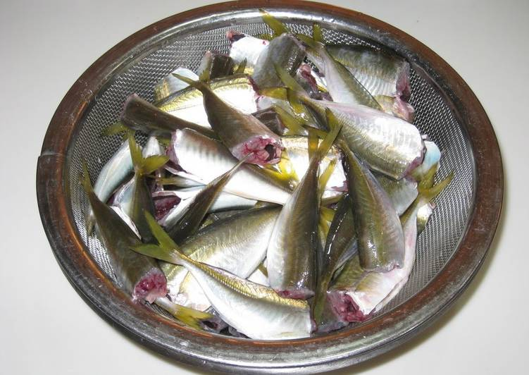 How to Clean Small Horse Mackerel