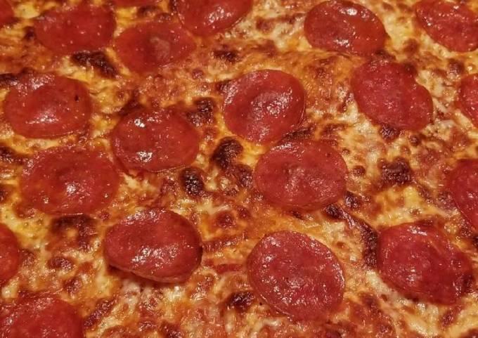 Sheik's Gourmet Pizzas: Classic Pepperoni Sicilian Pizza