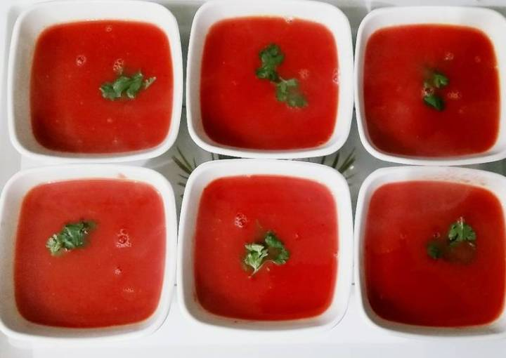 Tomato beetroot and carrot soup