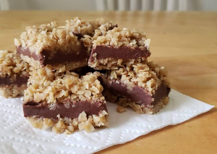 No-Bake Chocolate Oat Bars (Gluten-Free, Dairy Free, and Sugar Free options)