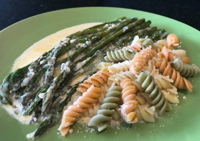 Parmesan and Mozzarella Creamed Asparagus