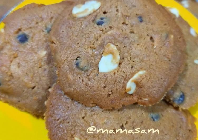 Choco-Almond Cookies