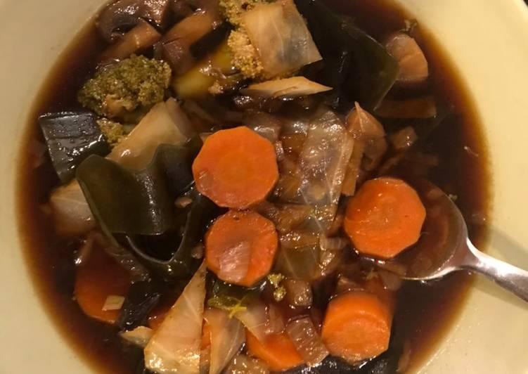 Soupe japonaise d'algues kombu