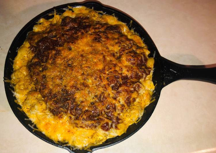 Recipe: Yummy Bbq pulled chicken Mac and cheese