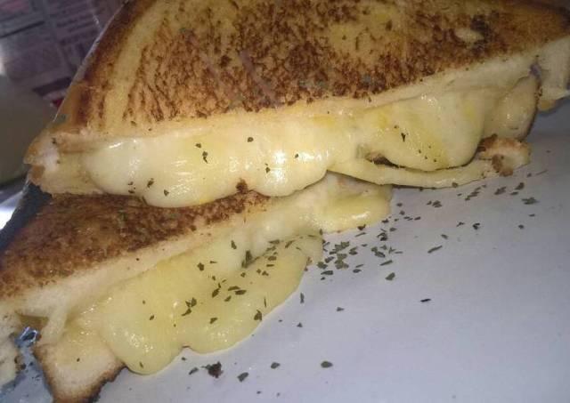 Grilled mozzarella cheese sandwich
