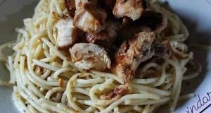 Spaghetti Aglio e Olio dengan Italian herbs chicken grill