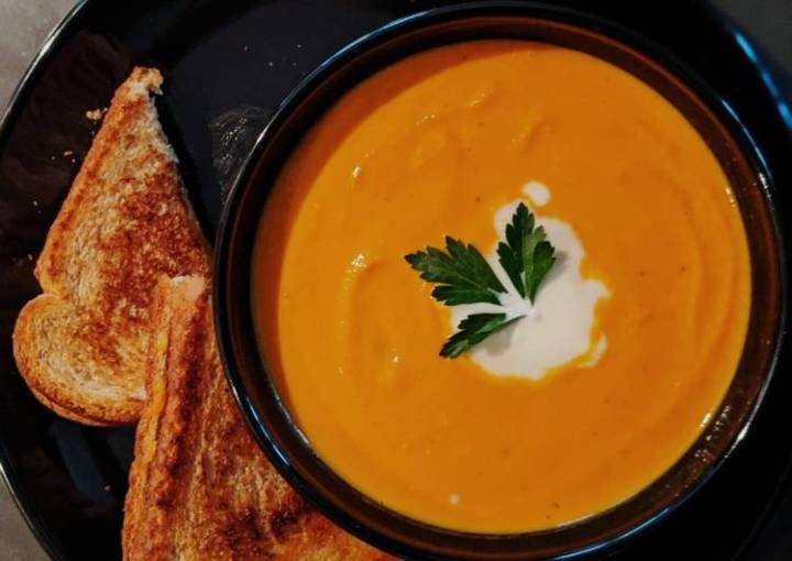 Carrot Ginger Soup with Grilled Cheese