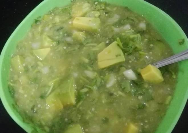 Salsa verde taquera con aguacate