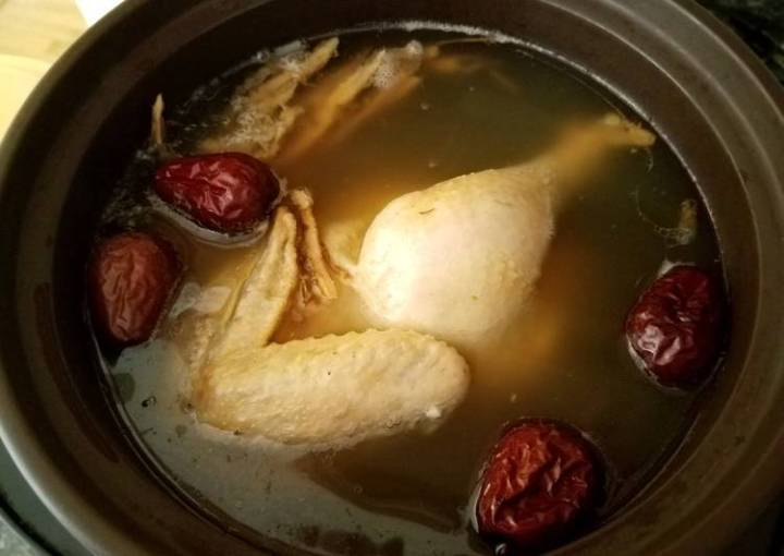 Danggui Chicken soup当归参鸡汤