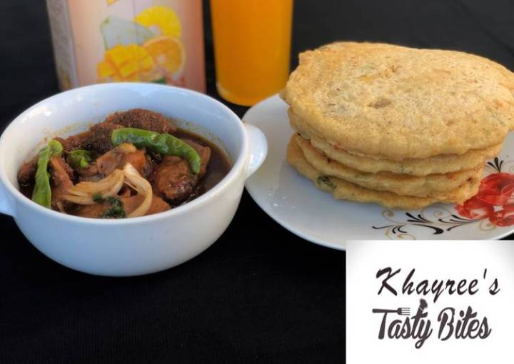 Semolina pancake with chicken and offal pepper soup