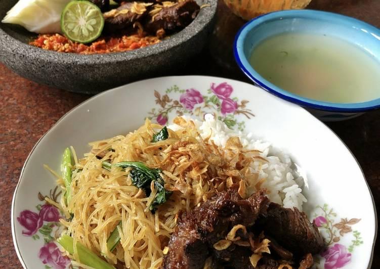 Sop Bihun Empal