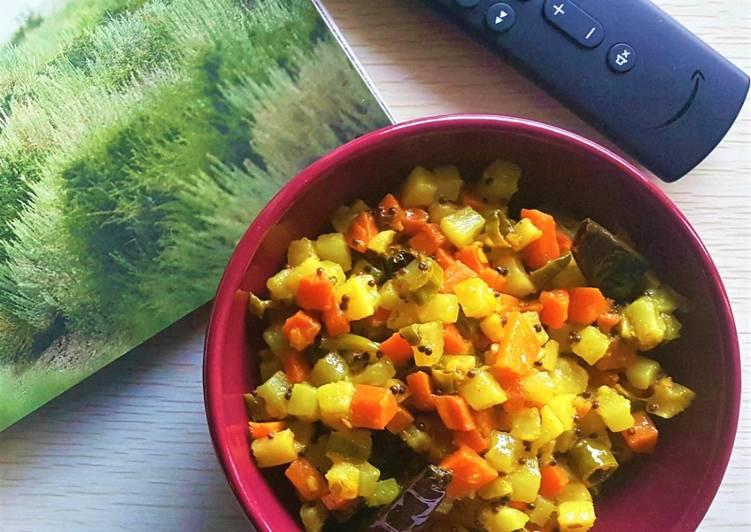 Raddish-Carrot Mixed Pickle