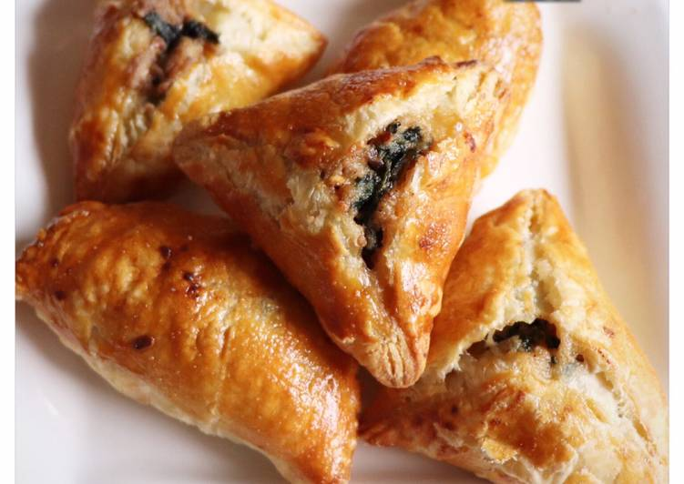 Spinach hand pies