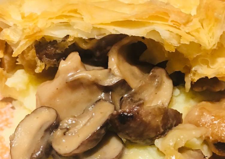Recipe: Perfect Vegan chicken and mushroom pie 🌱