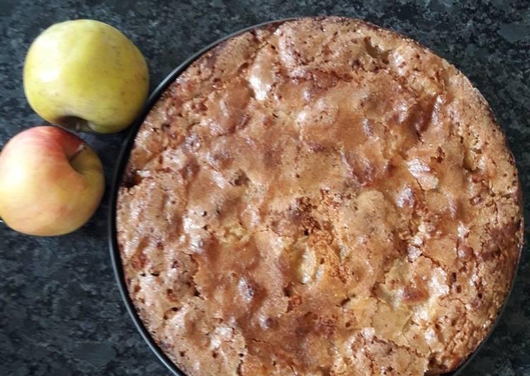 Gâteau au yaourt, pommes cannelle