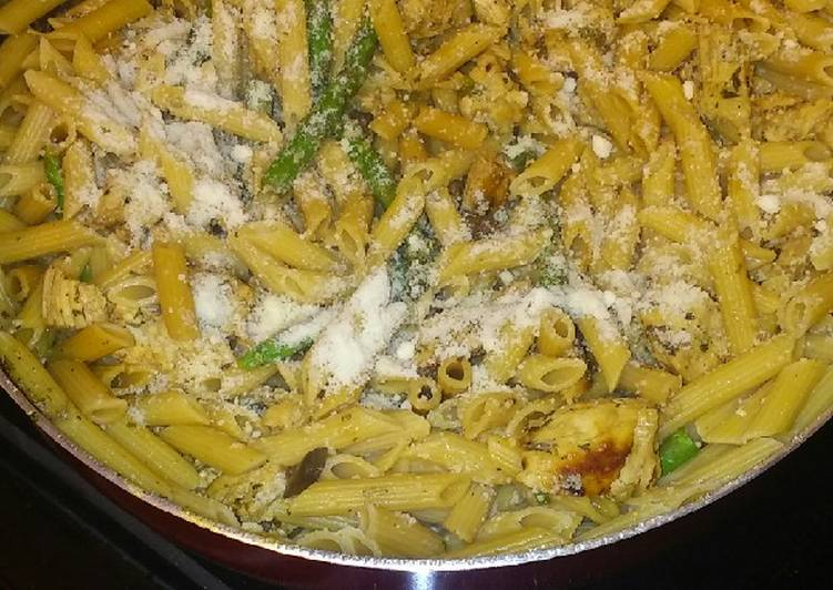 Penne with Chicken, Asparagus, and Fresh Rosemary