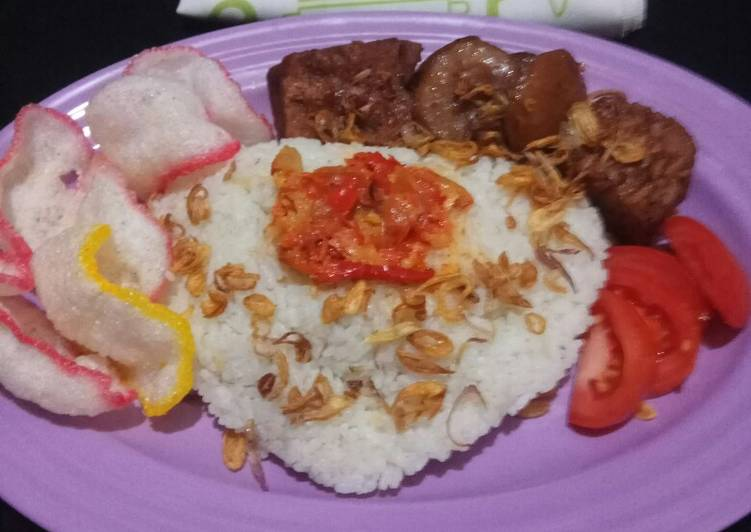 Nasi uduk special