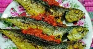 Ikan Cencaru Goreng Sumbat Sambal