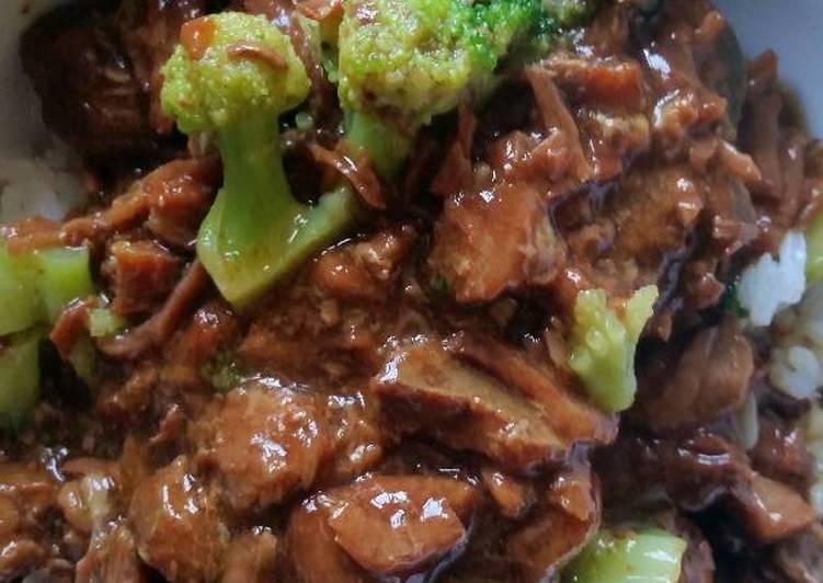 Easy crockpot beef and broccoli