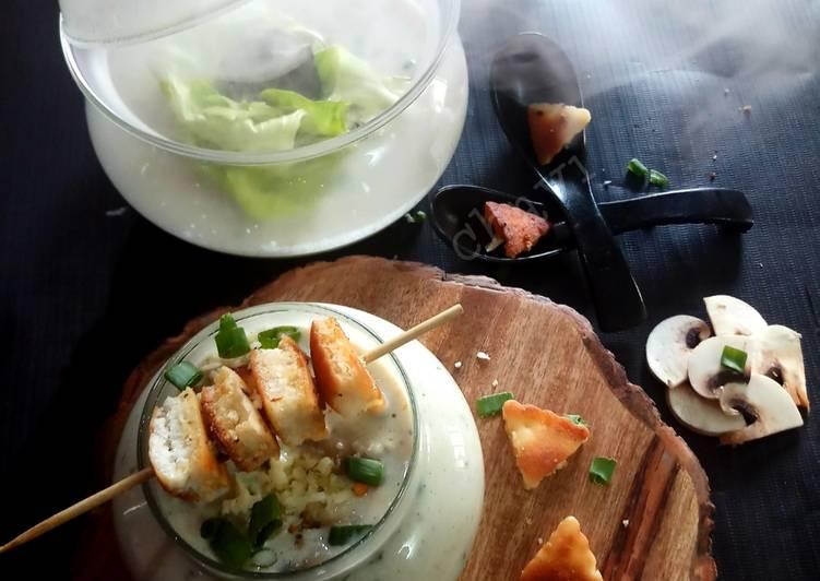Smoky creamy mushroom soup with garlic croutons